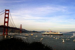 300px-RMS_Queen_Mary_2_in_san_francisco_bay